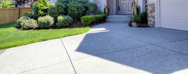 Residential Concrete / Driveway Cleaning